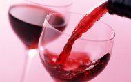 Rượu vang giúp số đo vòng 2 của nữ giới thon gọn