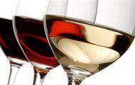 Làm mặt nạ từ rượu vang