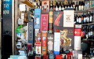 Rượu ngoại tăng giá, dân kinh doanh lo lắng.
